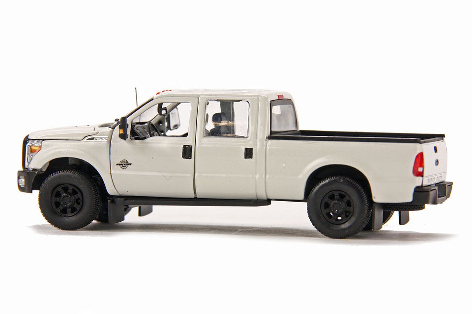 Camioneta Pickup Ford F250 2 En 1 Con Cabina Crew 6 Ft Bed & Super 8 - Blanco Camioneta