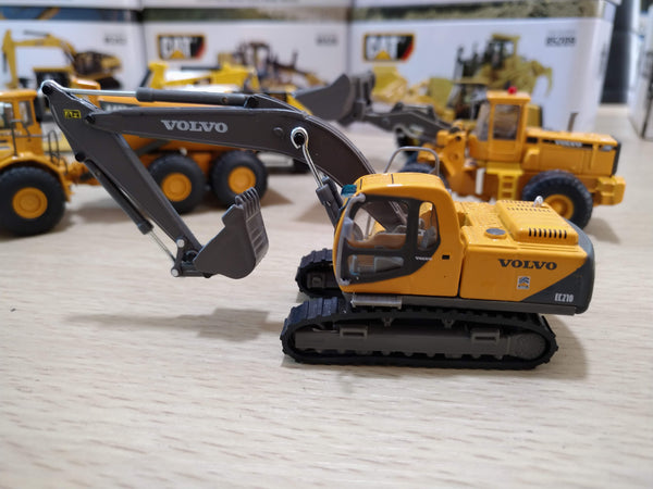 NO.810ND Excavadora Volvo EC210 Escala 1:87