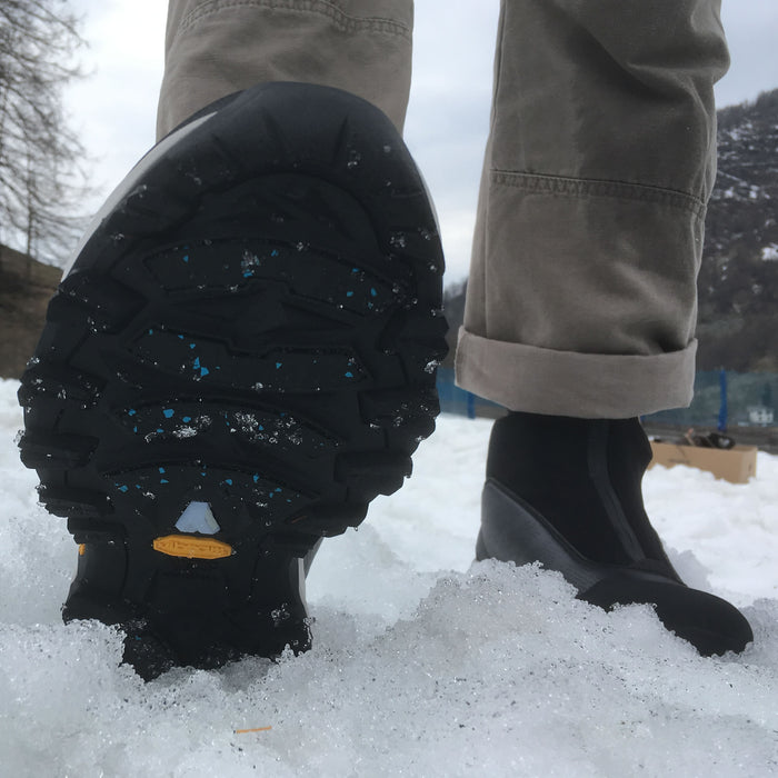 Tamaskan grips on any wet and cold surface – snow, ice, even wet ice