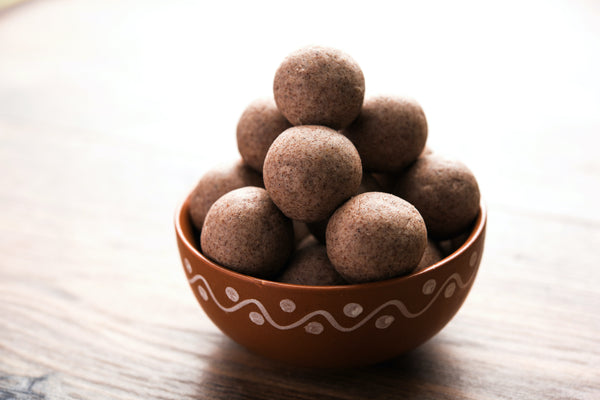 Ragi laddu recipe made with Vayal Foods Finger Millets