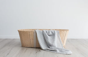 100% organic GOTS cotton swaddle muslin wraps, perfect for swaddling your babies, a wonderful baby shower present.  Must have essential for newborn babies, multipurpose and will last the test of time. Love & Lee