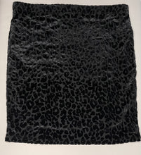 Load image into Gallery viewer, Animal Print Textured Tube Style Skirt