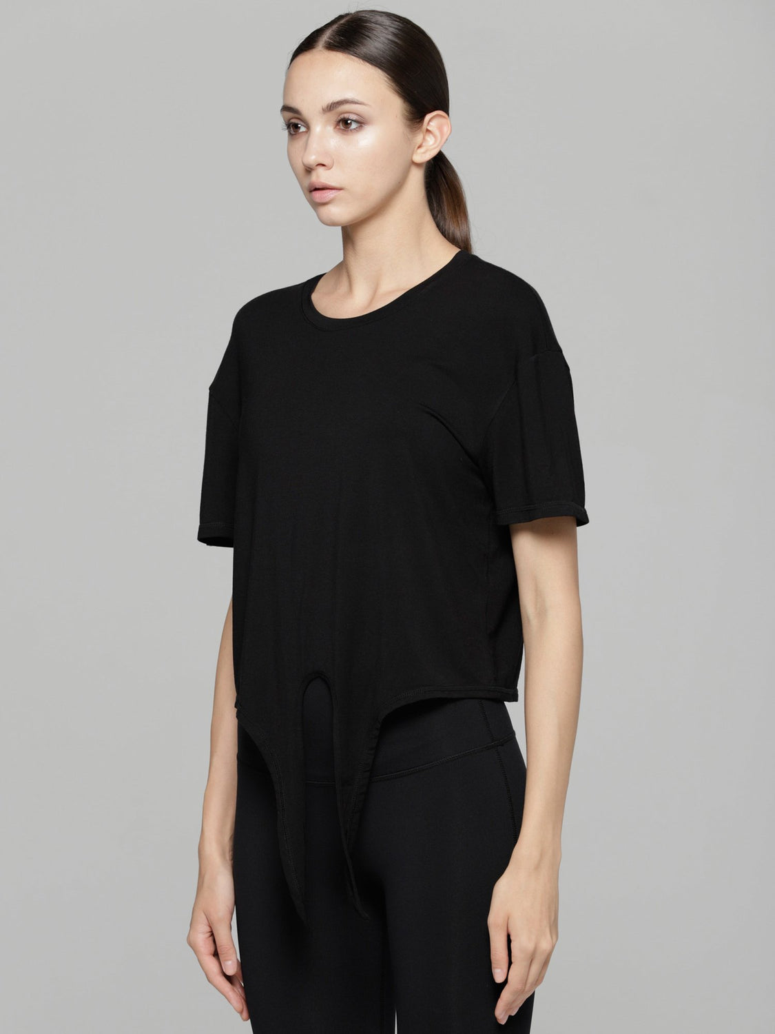 LOOSE FIT CROPPED TEE WITH FRONT TIE, BLACK