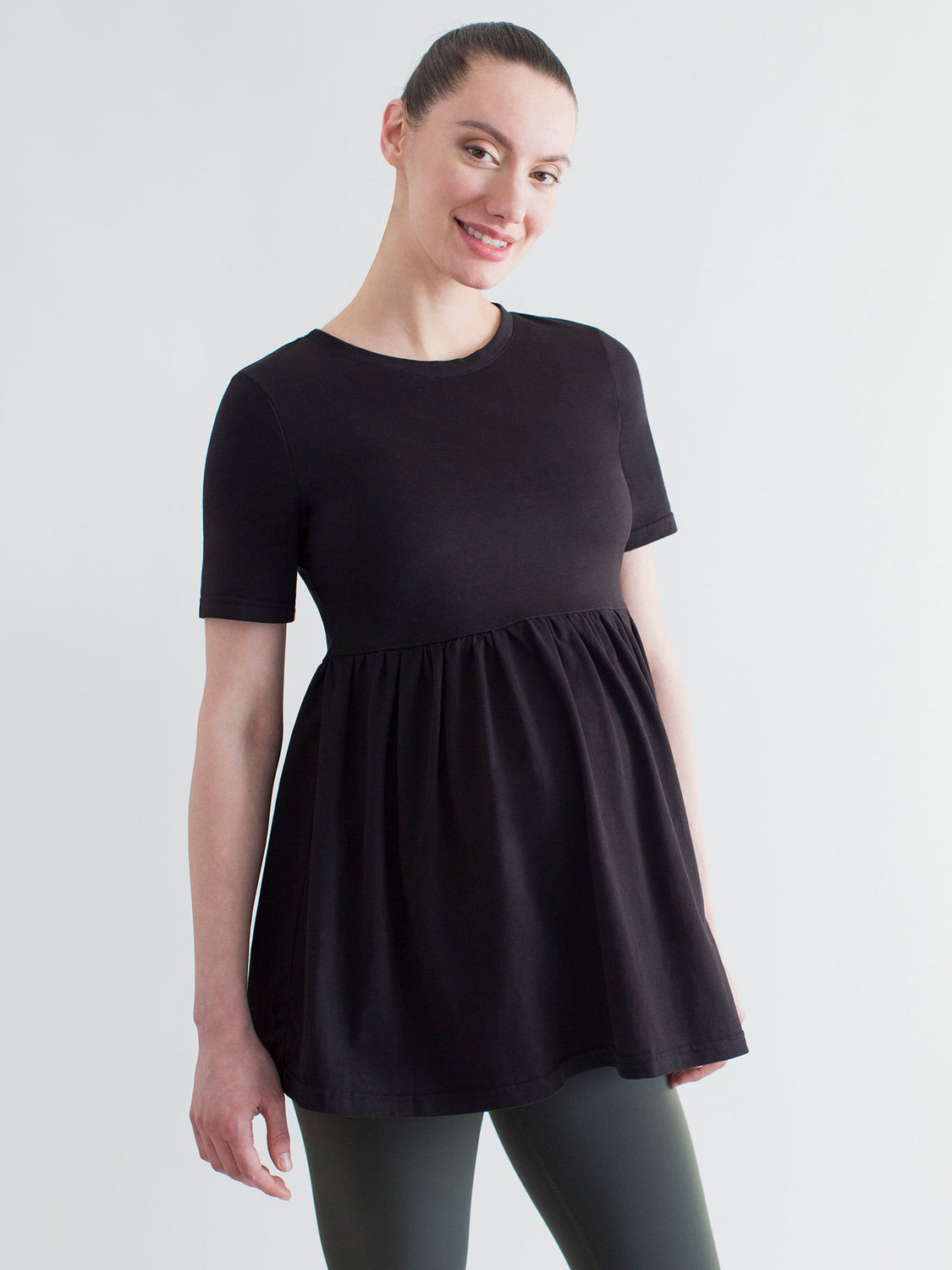MATERNITY PLEATED SHORT SLEEVE TEE, BLACK