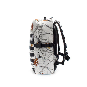 skingrowsback MIDPAK 23 litre Backpack Snowfall right