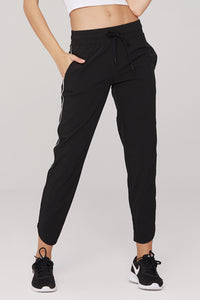 light & leaf Fashionable Trimmed Jogging Pants Black