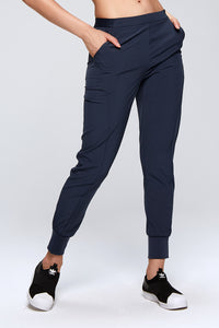 Casual Pocketed Elastic Joggers w. Pockets