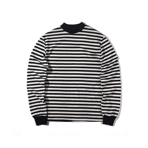 street style T-shirt long sleeve black and white