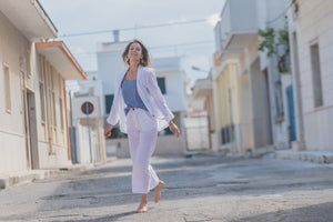 White linen trousers and blazer | Olá Lindeza