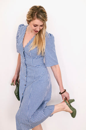 Linen summer dress in blue checks | Olá Lindeza