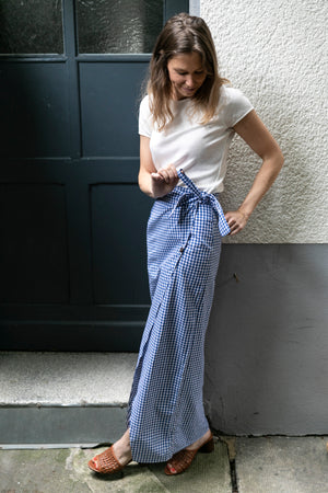 Blue checkered maxi skirt | Olá Lindeza