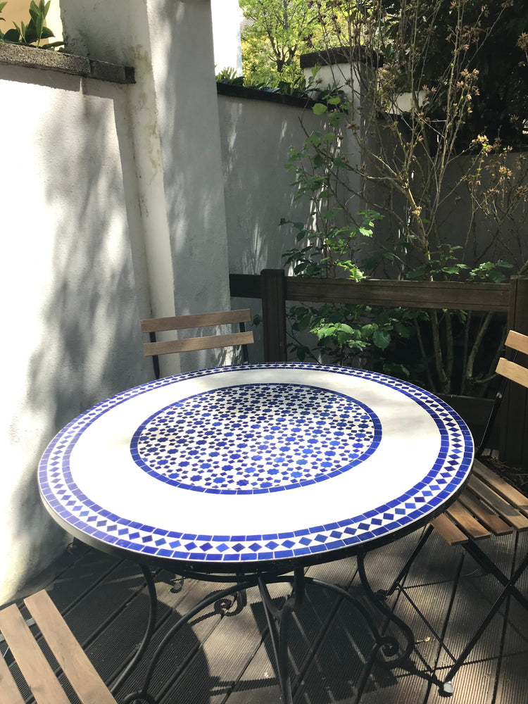 Ivory blue ceramic tile table | Olá Lindeza