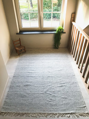 Light gray viscose wool rug | Olá Lindeza