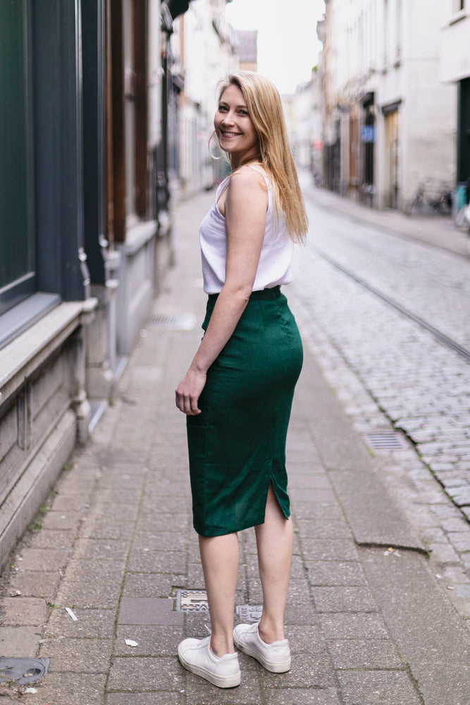 Linen pencil skirt in bottle green | Olá Lindeza