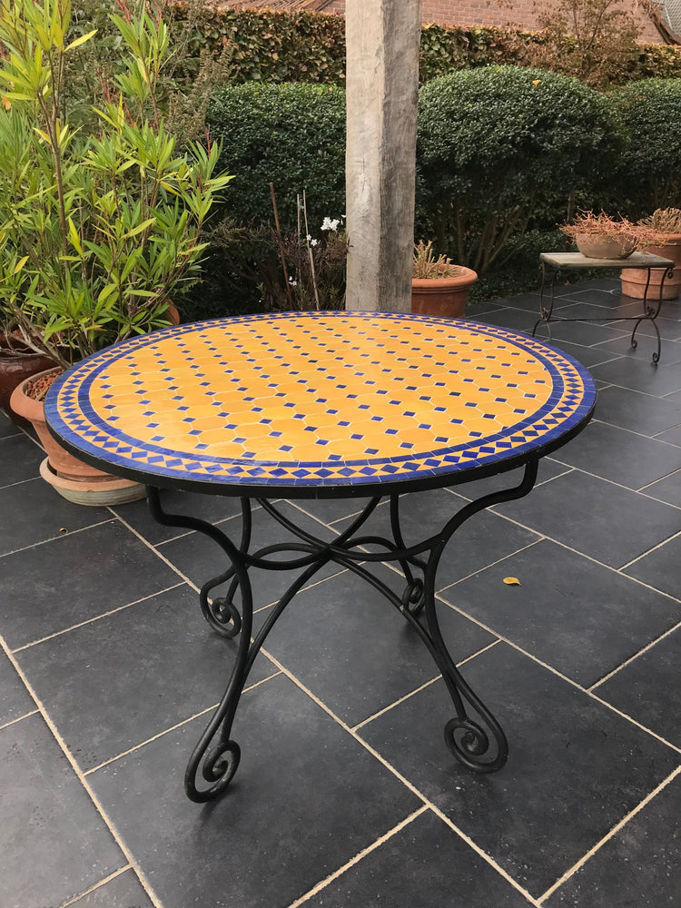 Ocher blue mosaic tile table | Olá Lindeza