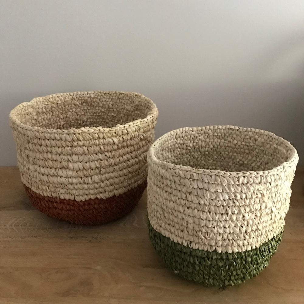 Lola seagrass plant basket (natural & green)