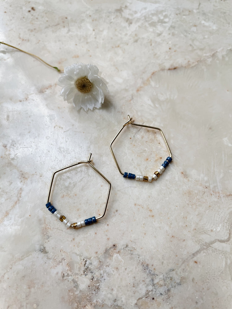 Hexagon minimal pearl hoops - blue ivory copper