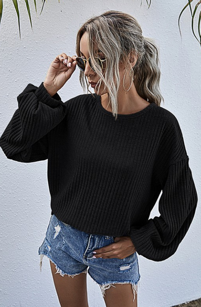 BLACK RIBBED BALLOON SLEEVE TOP