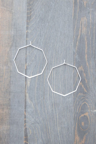 MINI MATTE SILVER HEXAGON HOOP