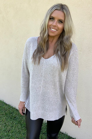 OVERSIZE TAUPE SWEATER