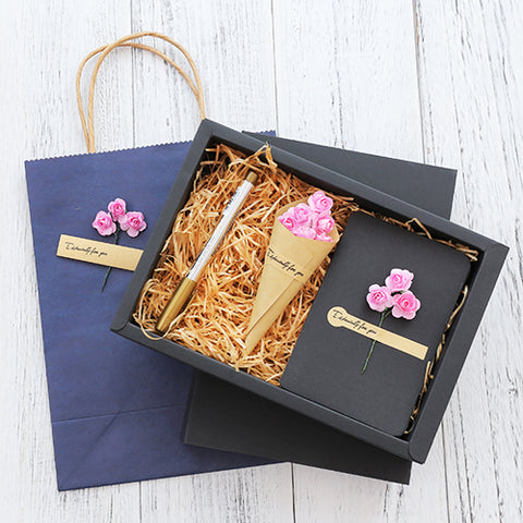 Dried Flower Greeting Card Gift Box with a Paper Bag