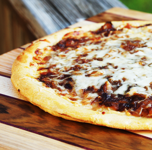 Cheese & Caramelised Onion Pizza (Vegetarian)