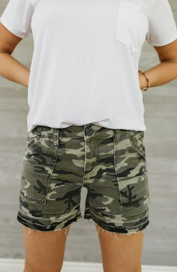 Kut From The Kloth Alice Camo Short Trinity Clothing