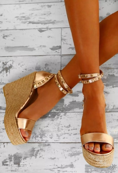 Fashion  Summer Platform Sandal  Rivet Cover Heel  Open Toe Women Sandals