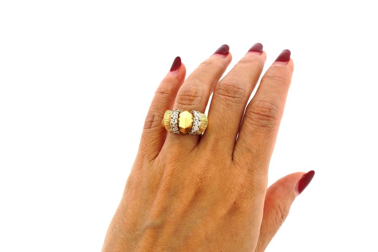 Modernist Retro 18 Karat Yellow Fluted Gold Bombe Ring