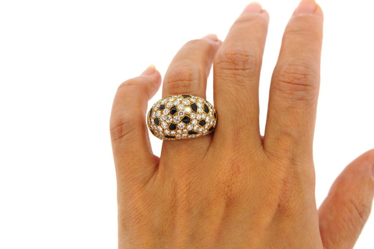 Cartier 18 Karat Gold Onyx Diamond Panther Bombe Ring