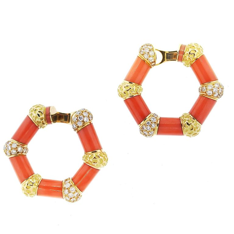1970s Bulgari 18 Karat Hammered Gold Coral Diamond Hoop Earrings