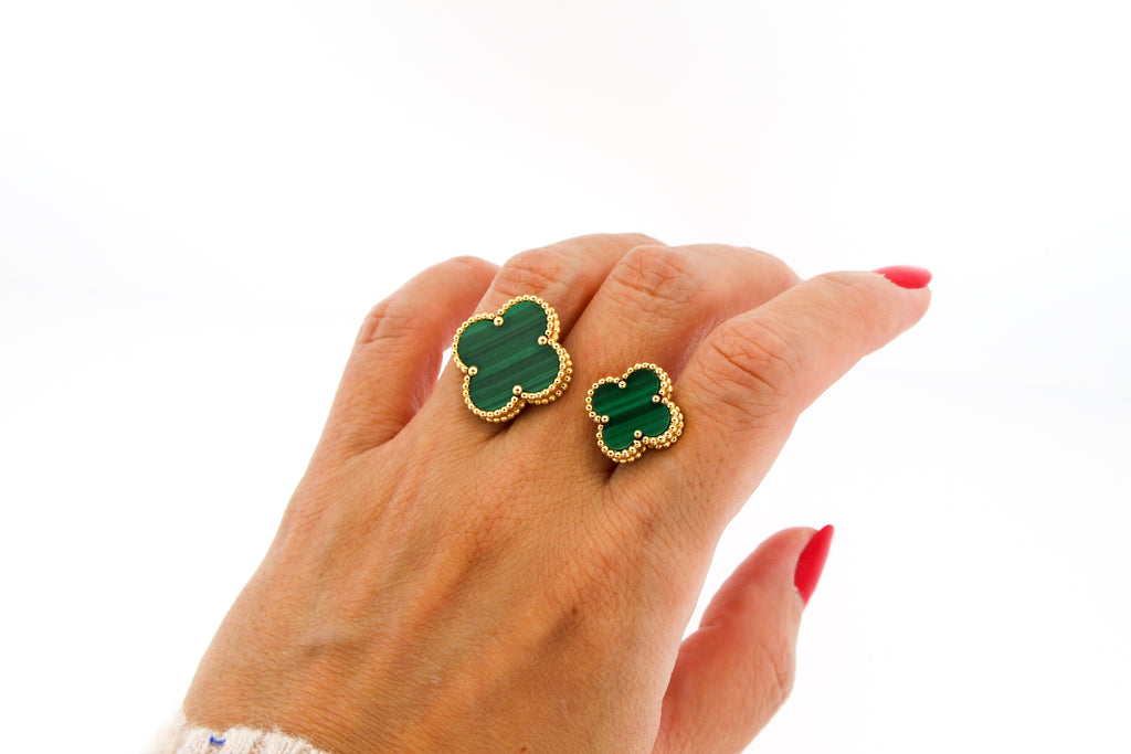 Van Cleef & Arpels Magic Alhambra Between the Finger Ring