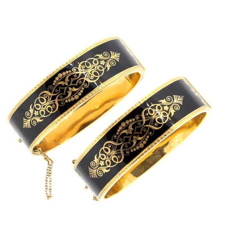 Vintage Victorian Pair of 14 Karat Gold Black Enamel Mourning Bangles