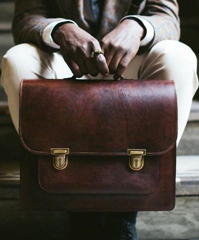 Why Professional People Prefer To Buy Briefcase Bags
