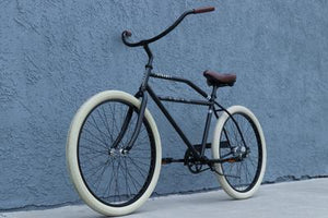 The Steady Classic beach cruiser in Matte Black