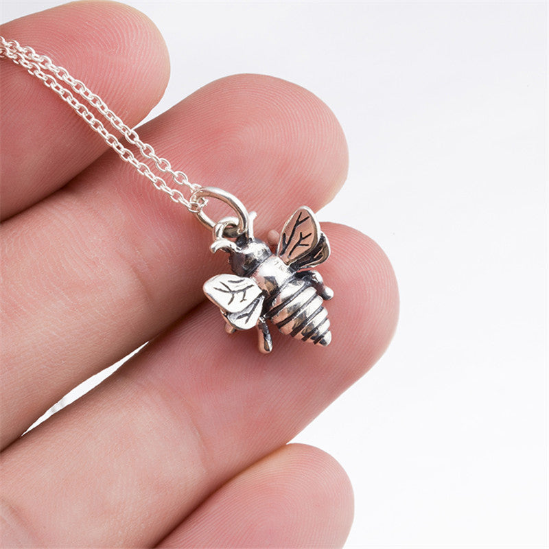 925 STERLING SILVER VINTAGE STYLE BEE CHARM NECKLACE