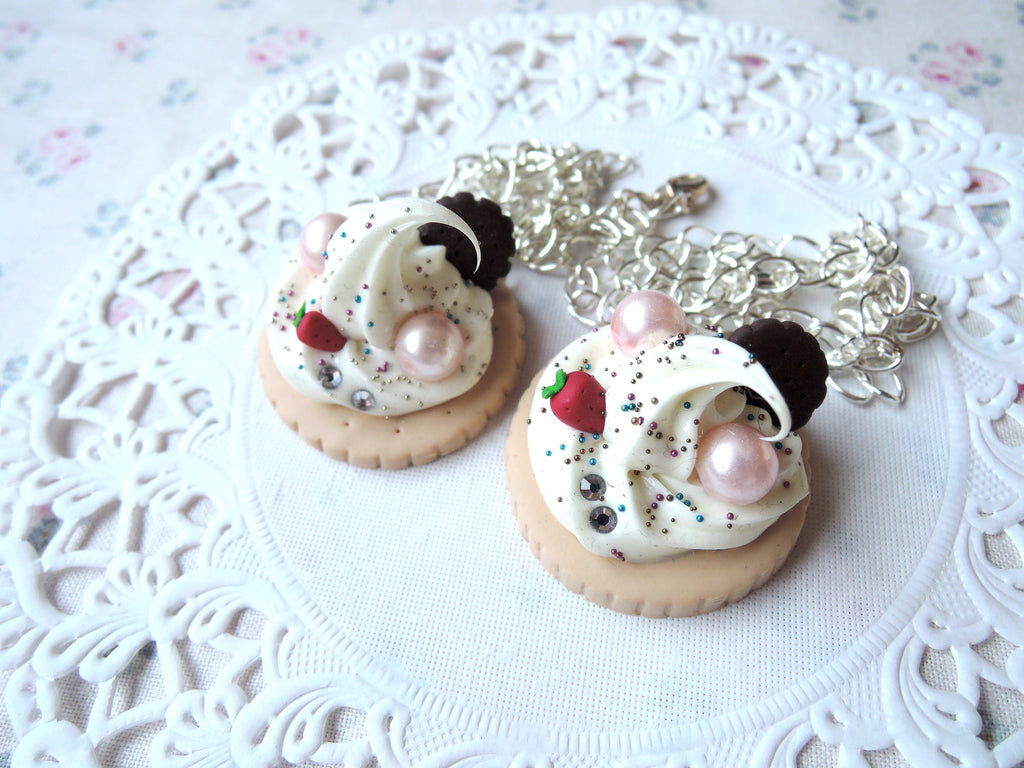 Cookie and Cream Necklace