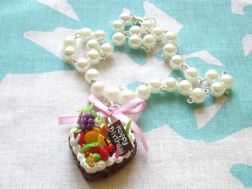 Miniature Heart Cake Faux Pearl Necklace