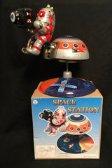 MS-375 Space Station Mars 10 With Astronaut Tin Mechanical Wind Up