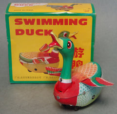 Vintage China Tin Wind Up Duck