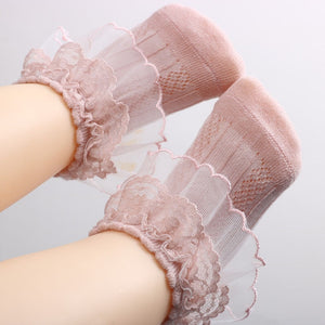 Floral Lace Ankle Socks