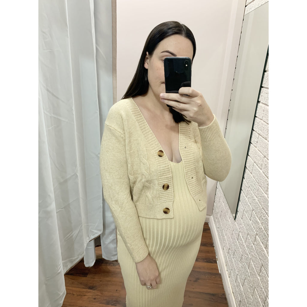CABLE KNIT CROP CARDI