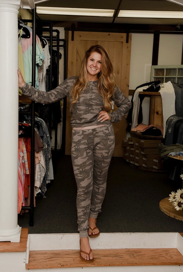 Camo Thermal Bottoms- Grey/Pink