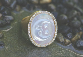 Mother of Pearl Ring with Pave Diamonds Frame