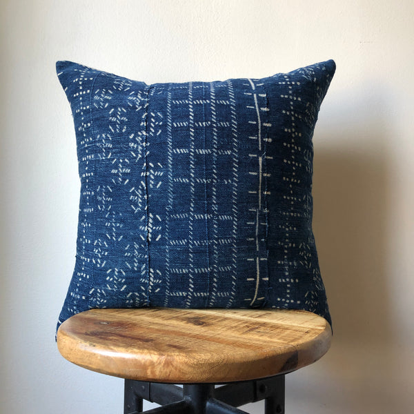 NAVY BLUE BAOULE Mudcloth Pillow Cover