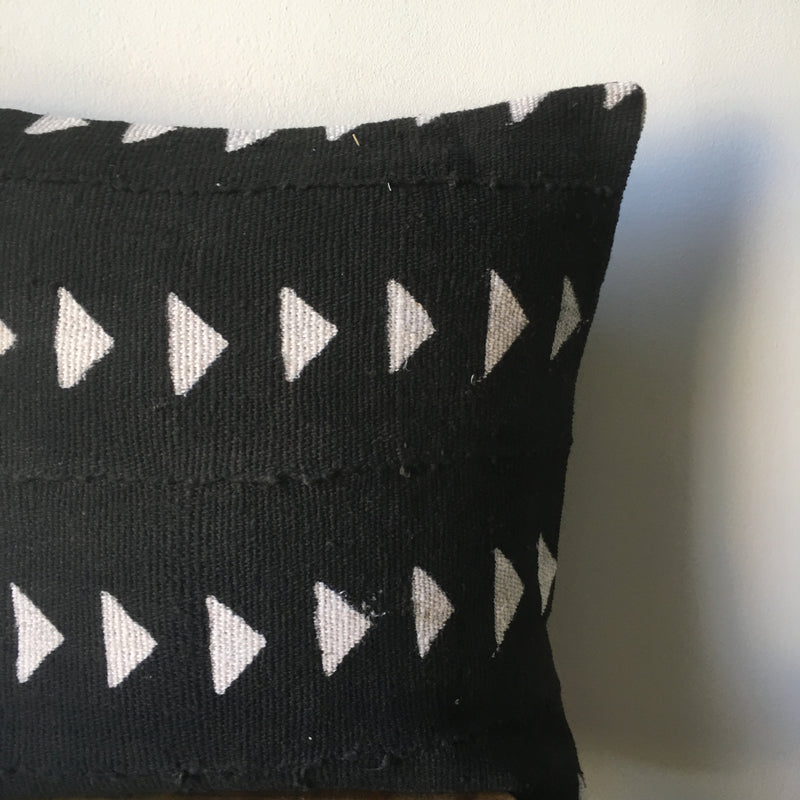 BLACK TRIANGLE MUDCLOTH Pillow Cover