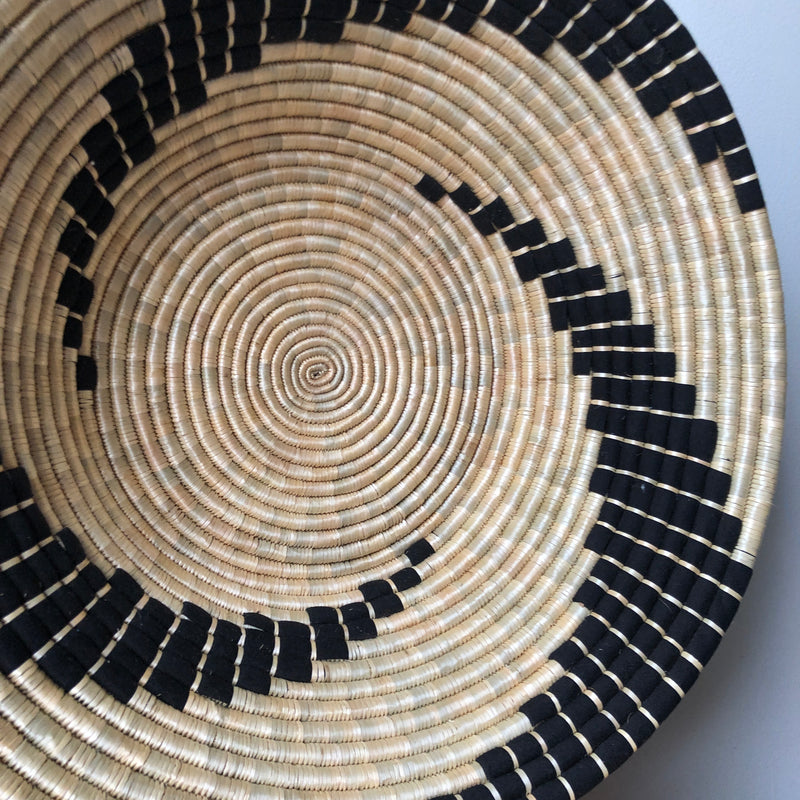 "18"" African Black & Natural Basket"