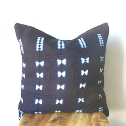 INDIGO BLUE AND WHITE SHIBORI MUDCLOTH PILLOW COVER WITH INSERT - CUSTOM MADE COVER HANDMADE FABRIC FROM AFRICA