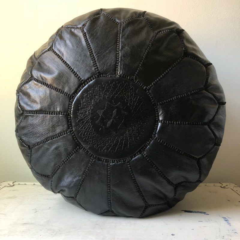 Round Pouf: Black Leather