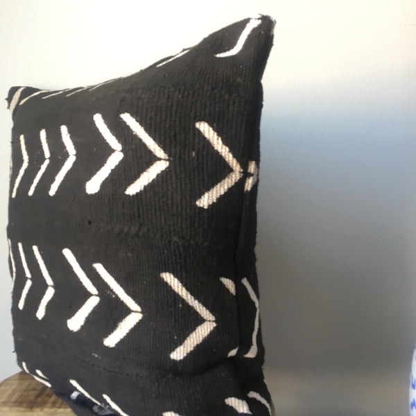 Black and White Large Arrow Print African Mudcloth Pillow Cover - Double sided and Insert Available